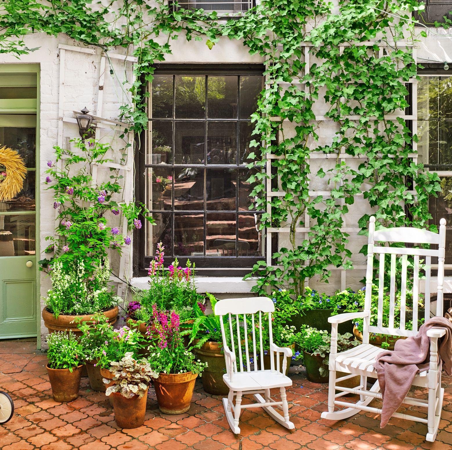 18 Creative Small Garden Ideas - Indoor and Outdoor Garden Designs ...