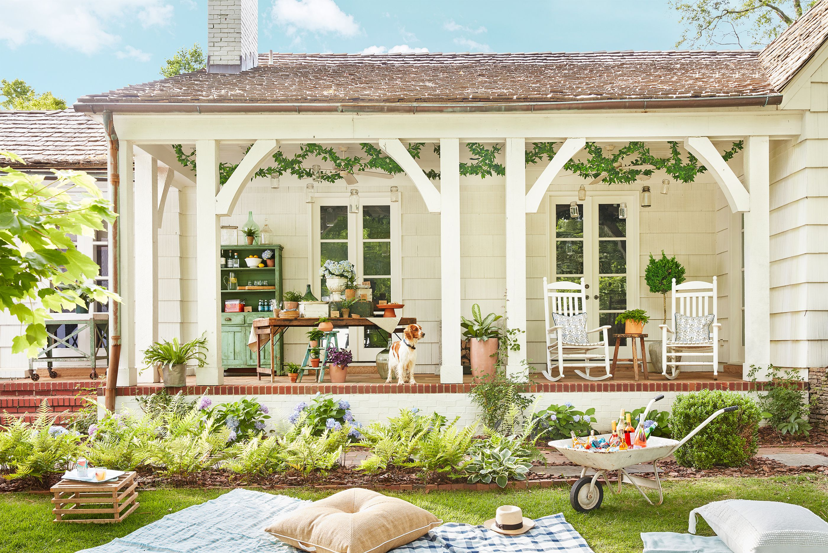 House Beautiful & 28 Charming Front Porch Ideas - Chic Porch Design and Decorating Tips