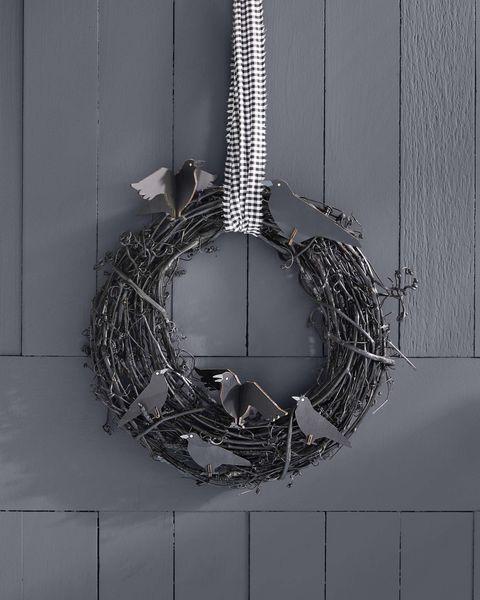 diy halloween crow wreath 4