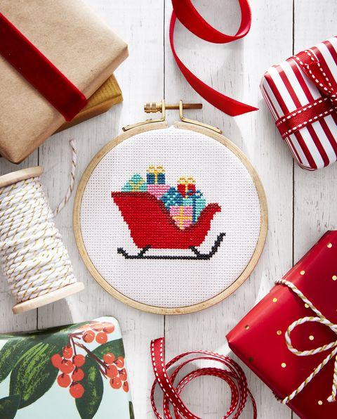 cross stitch, santa's sleigh, santa claus
