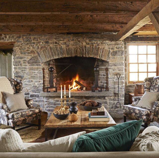 Cozy Winter Home: This Cozy Farmhouse Has Something Called A 'Snug Room' And