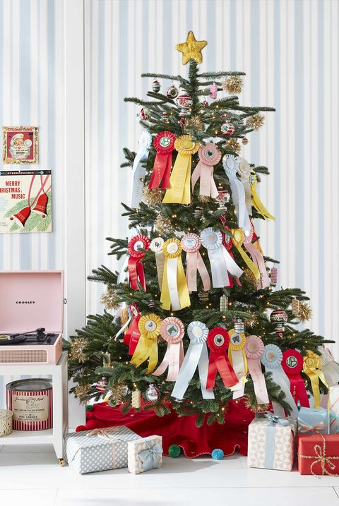 christmas tree with prize ribbon garland