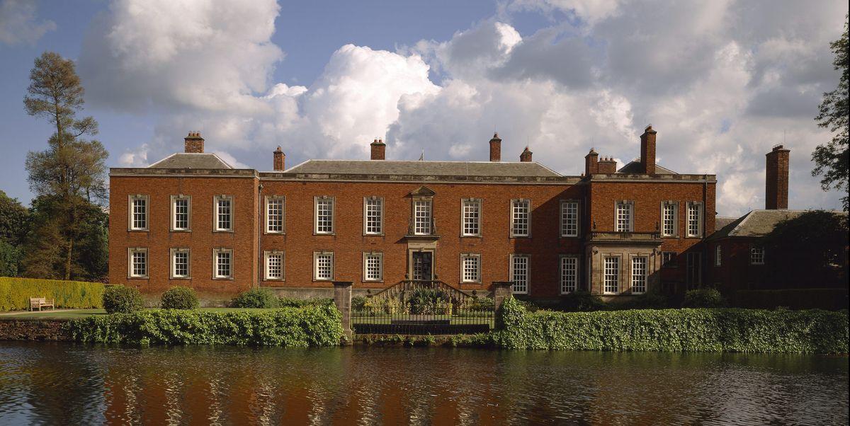 Discover the hidden treasures of Altrincham