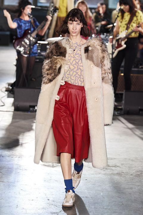 Fashion, Fashion model, Fashion show, Clothing, Runway, Street fashion, Haute couture, Shoulder, Outerwear, Footwear,