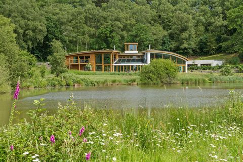 Coachmans Lodge - Surrey - lake - Savills