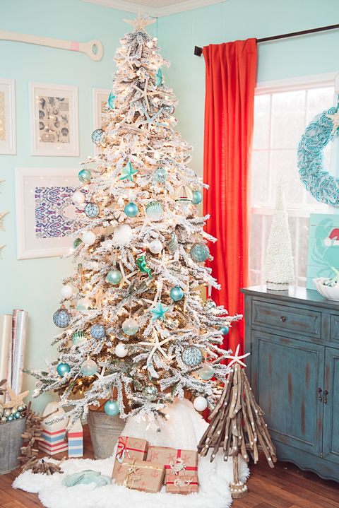 coastal beach christmas tree decorating idea