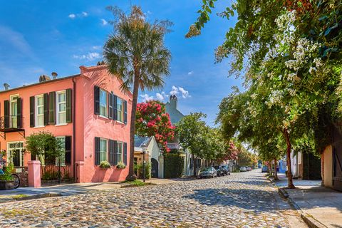 cobblestoned street and historic buildings,usa