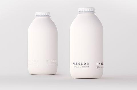 純白色的可口可樂紙製包裝