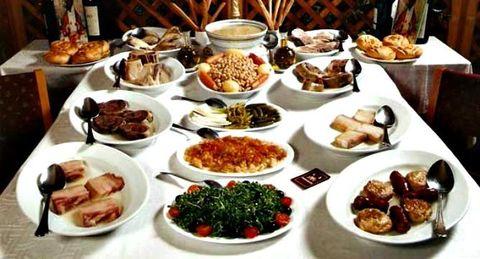Ruta y cata por los mejores restaurantes y recetas de cocido de Madrid
