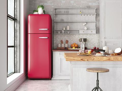 Consumo eficiente: Cocina con frigorífico rojo