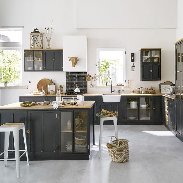 cocina de diseño moderno en color negro