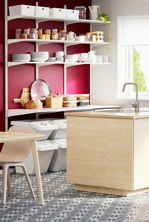Cocina con isla de madera de IKEA