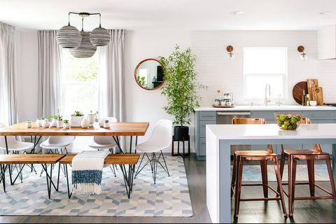 Cocina abierta diseñada por Maple & Plum
