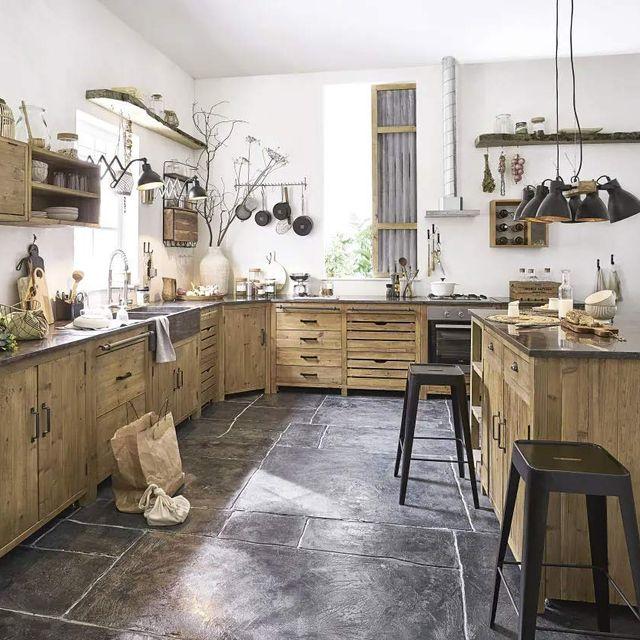 cocina rústica con muebles de madera