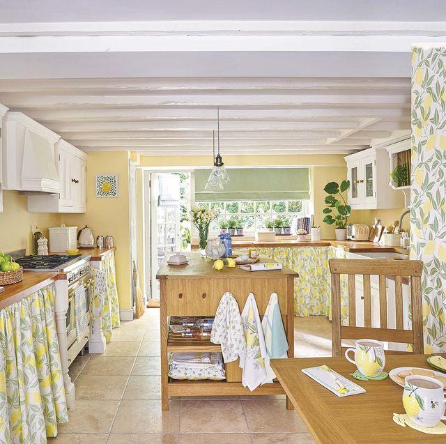 decorar con frutas cocina con cortinas de limones