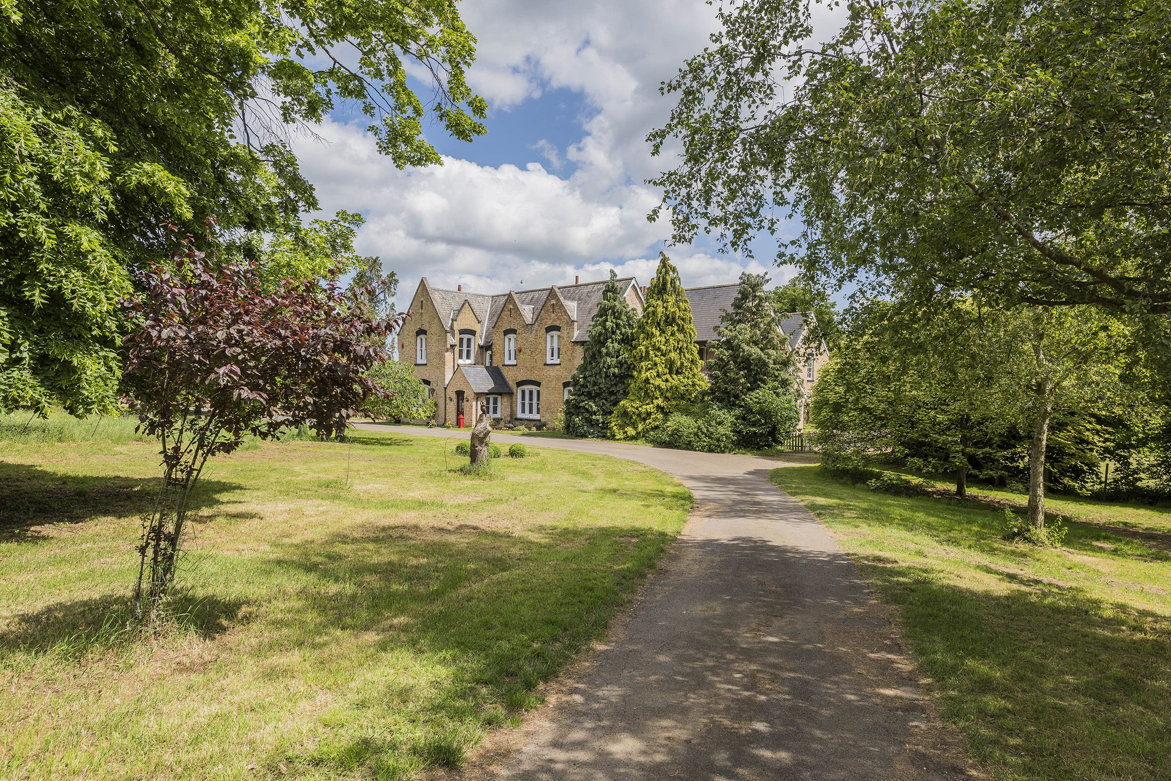 15th century period home in Bedfordshire visited byauthor J.M Barrie is up for sale