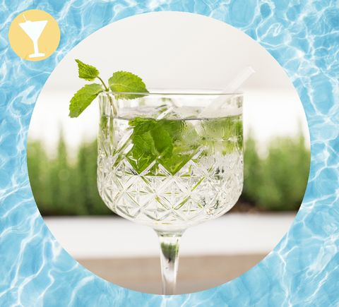 Green, Drink, Mojito, Cocktail, Lime, Spritzer, Lemon-lime, Glass, Peppermint, Non-alcoholic beverage,