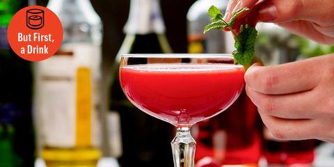 Drink, Classic cocktail, Alcoholic beverage, Cocktail, Cocktail garnish, Non-alcoholic beverage, Daiquiri, Distilled beverage, Cosmopolitan, Wine cocktail,