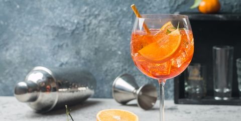 cocktail-recept-peach-orange-blossom-spritz