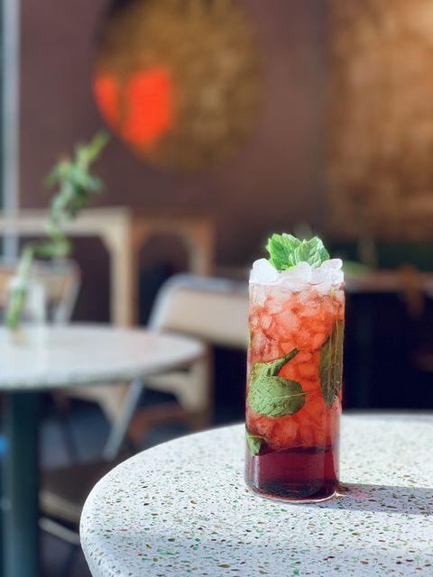 Cosmopolitan, Mojito, Caipirinha, Margarita y Piña Colada - Jad Ballout, deElectric Bing Sutt y Central Station (Beirut), nos da su versión de la receta de estos cocktails en Salmon Guru