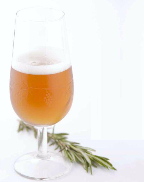 imagen de un cocktail de cerveza