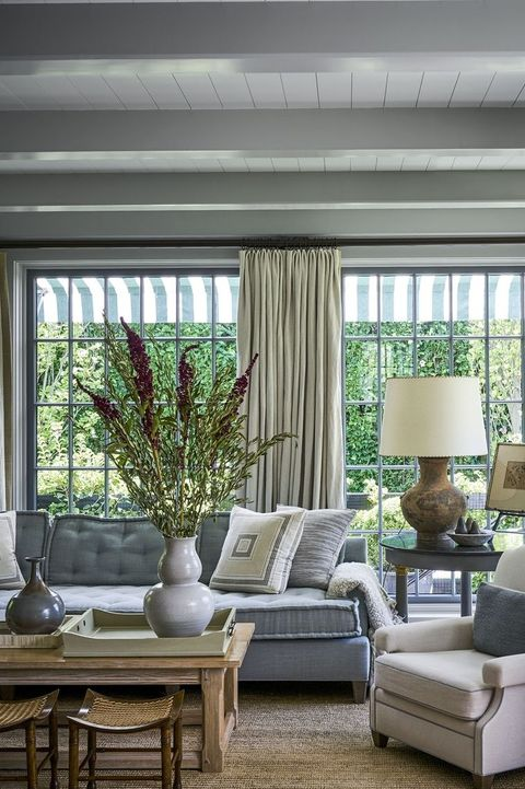 35 Best Coffee Table Styling Ideas - How To Decorate a Coffee Table
