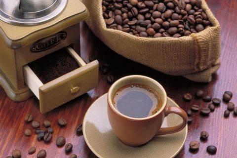 Why You Might Want to Avoid Afternoon Coffee | Runner's World #afternoonCoffee