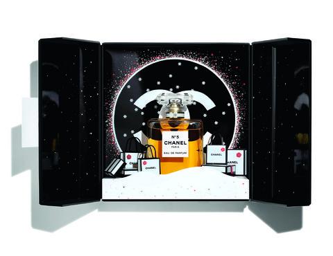 Product, Illustration, Drink, Fictional character, Graphic design, Liqueur,