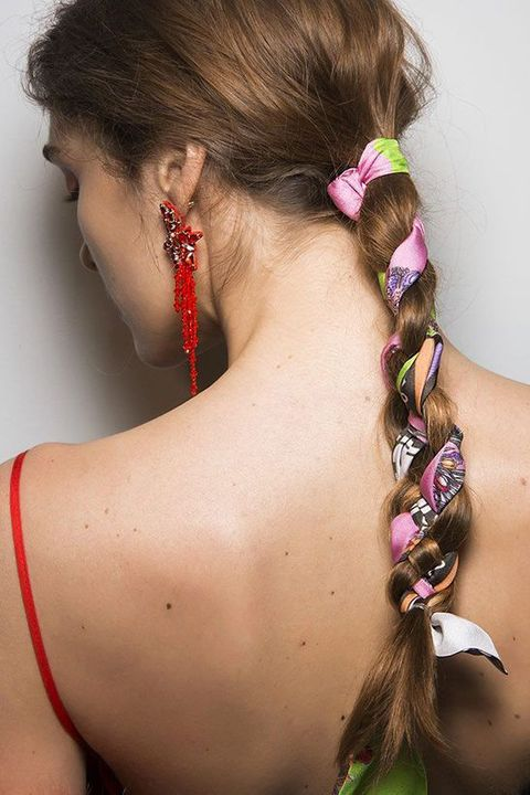 Hair, Hairstyle, Neck, Beauty, Chin, Ear, Back, Shoulder, French braid, Fashion accessory,