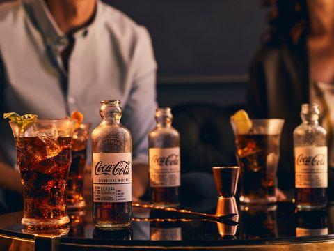 Drink, Alcohol, Distilled beverage, Liqueur, Alcoholic beverage, Bar, Whisky, Scotch whisky, Blended whiskey, Bartender,