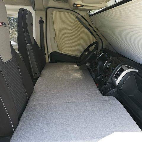 Colchón plegable para la parte delantera de la furgoneta