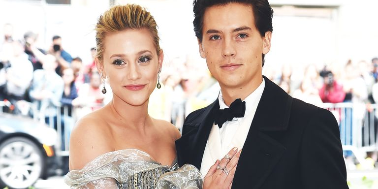 Model Y Twitter: Riverdale's Lili Reinhart And Cole Sprouse Have Playful