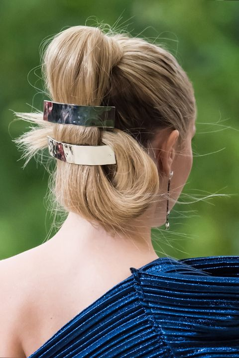 Hair, Hairstyle, Shoulder, Chignon, Chin, Blond, Bun, Neck, Headgear, Ear,