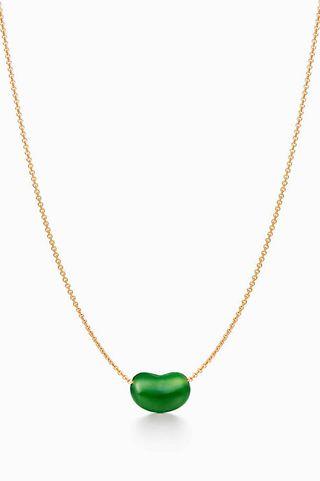 colgante de oro y jade