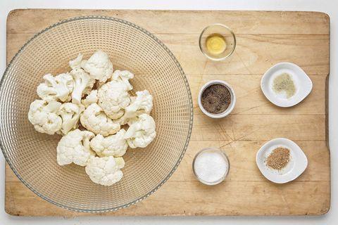 coliflor asada con piñones y tahini 1