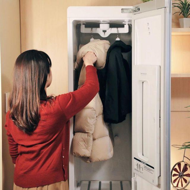 新冠肺炎防疫又一招!髒衣服扔進「智慧電子衣櫥」20分鐘洗淨、烘乾、燙平平!