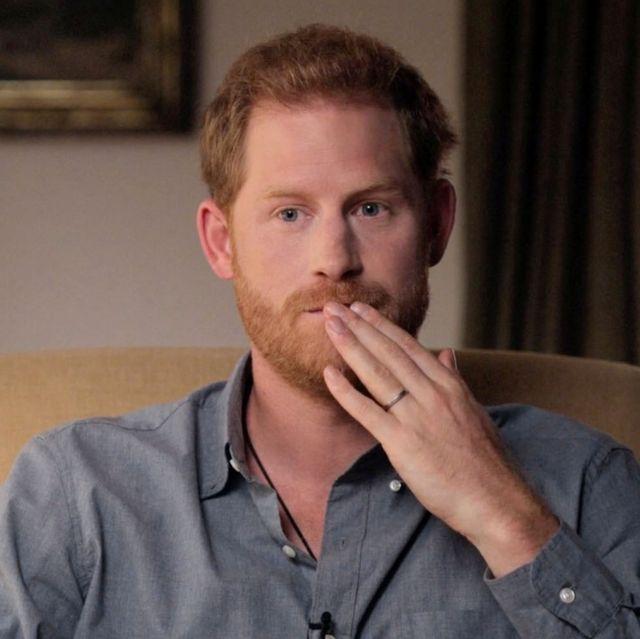哈利王子脫離英國皇室後7大事件!坦承曾用藥走出喪母之痛:看看他們對黛安娜做了什麼!