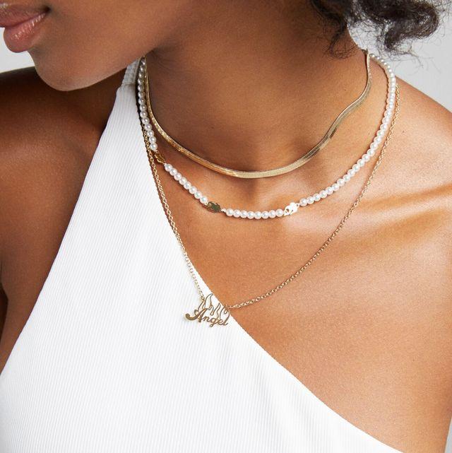 collares y pendientes de perlas de stradivarius, zara y bershka
