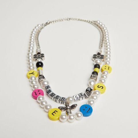 collar de perlas de bershka
