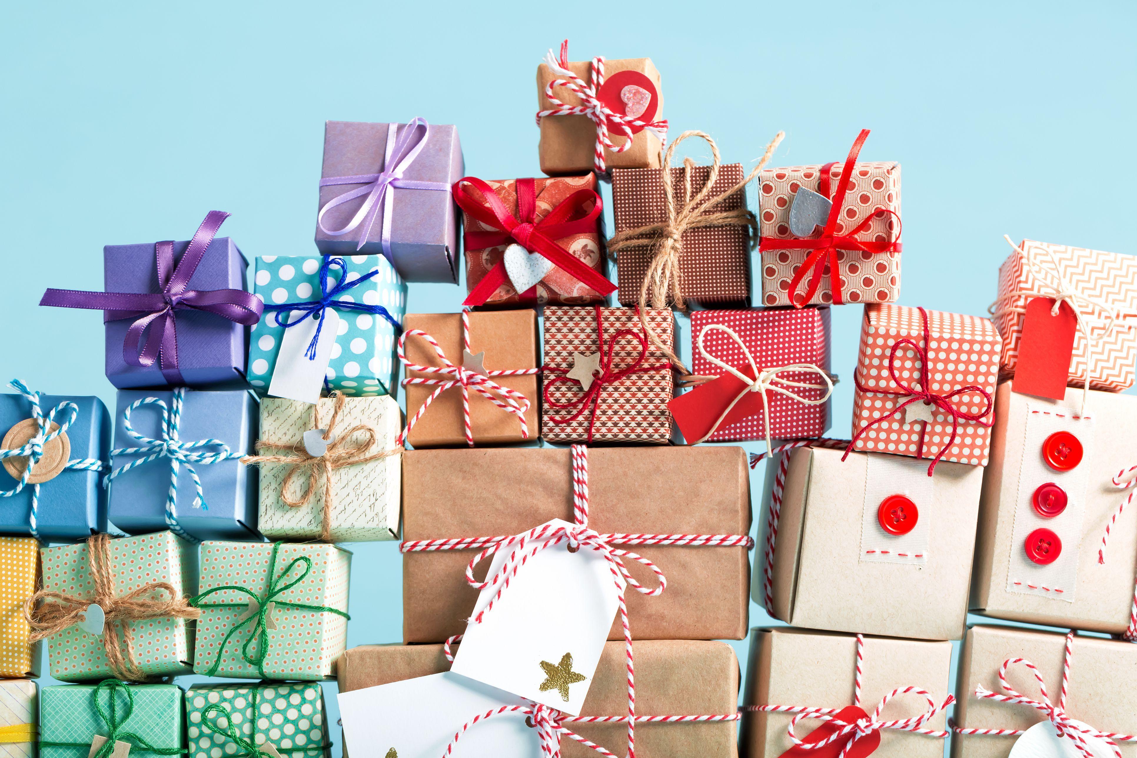 facebooks secret sister gift exchange is a scam facebook gift scam