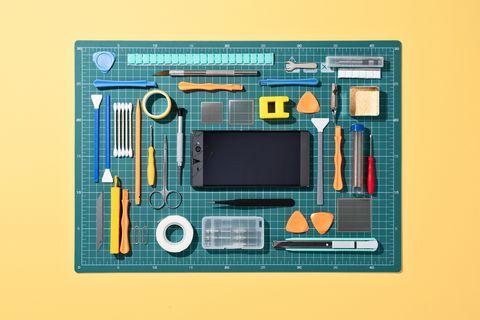 collection d'outils pour réparer le téléphone portable