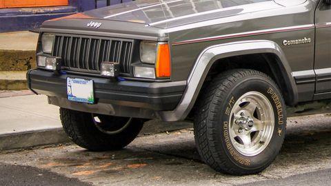1988 jeep comanche front