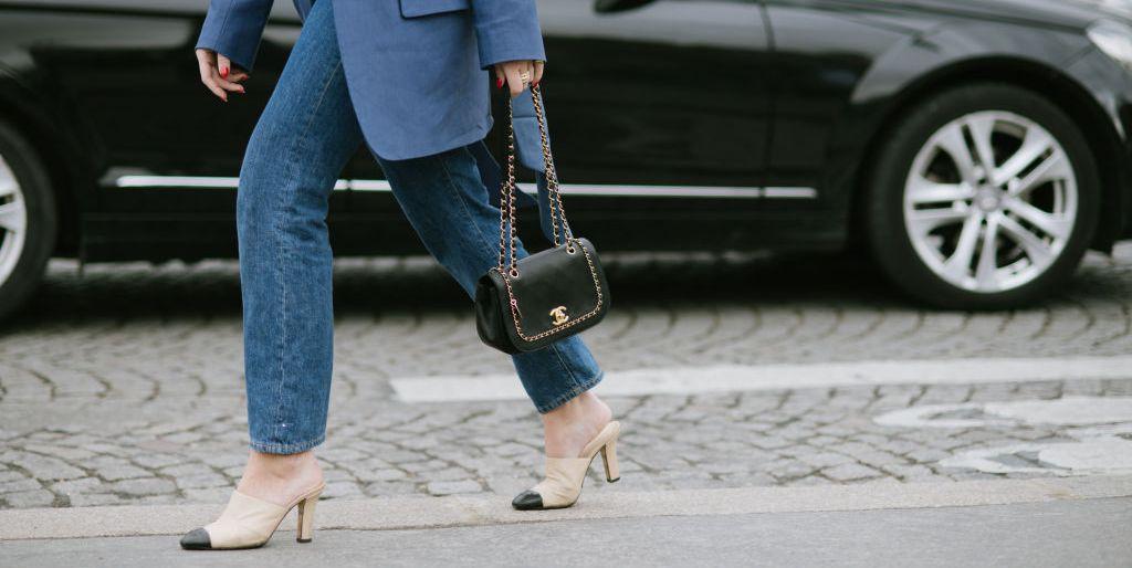 8f9aecf63a Come abbinare le scarpe ai jeans: i modelli da scegliere