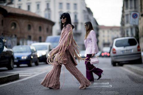 Street fashion, Fashion, Snapshot, Pedestrian, Walking, Dress, Photography, Street, Footwear, Outerwear,
