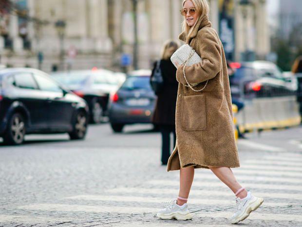 Sneakers: 4 look per indossarle ed essere davvero cool