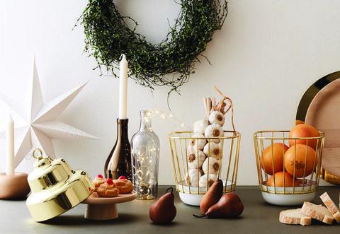 Nuovo mood effetto metal per la tavola natalizia - Elle decor natale ...