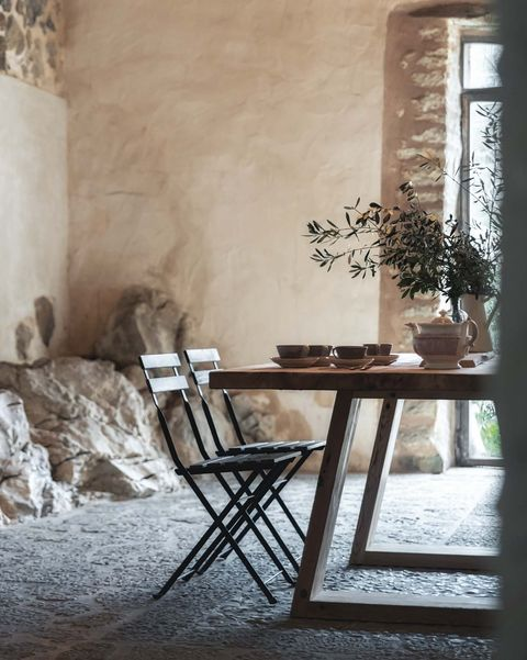 comedor con mesa artesanal