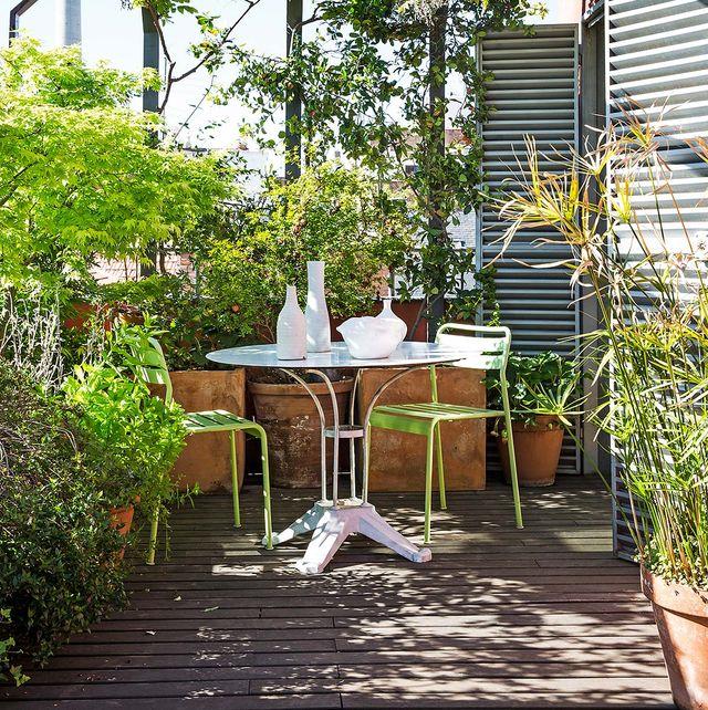 un comedor de exterior en la terraza