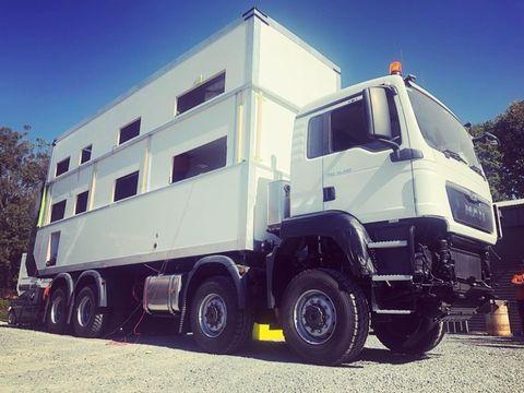 Commander 8x8 - camión camper