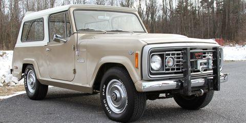 Land vehicle, Vehicle, Car, Sport utility vehicle, Jeep, Pickup truck, Classic car, Automotive wheel system, Off-road vehicle, Hardtop,